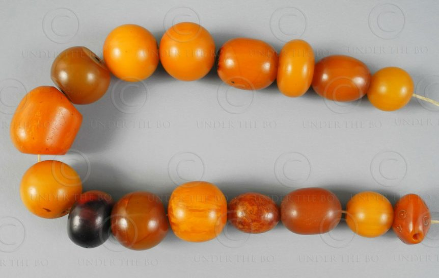 Maghreb false amber 12VN20B. France. Berber origin.