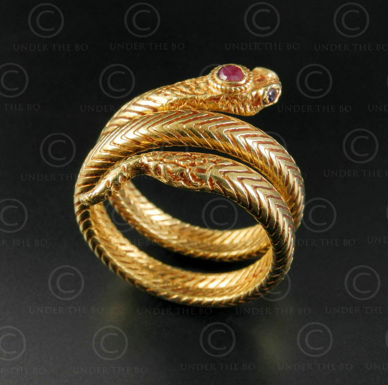 Bague serpent or R298. Nord de l'Inde.