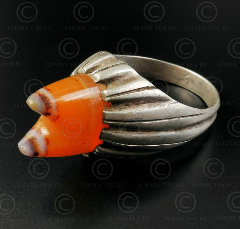 Banded agate and silver ring R288K. Central Asia and Afghan culture.