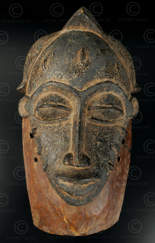 Baule tribal mask 12VN5, Wooden mask. Baule culture, Ivory Coast, West Africa.