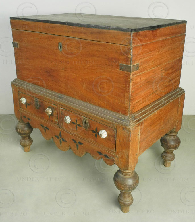 Colonial chest i4-99 Dutch colonial. India. Jackwood, ebony, brass, porcelain.