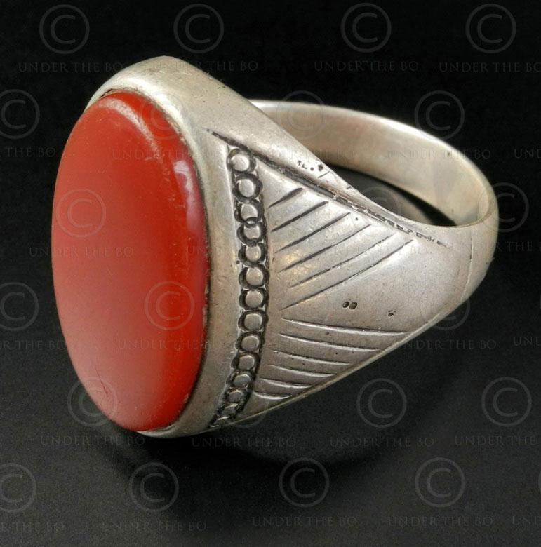 Cornelian and silver ring R280J. Central Asian culture.