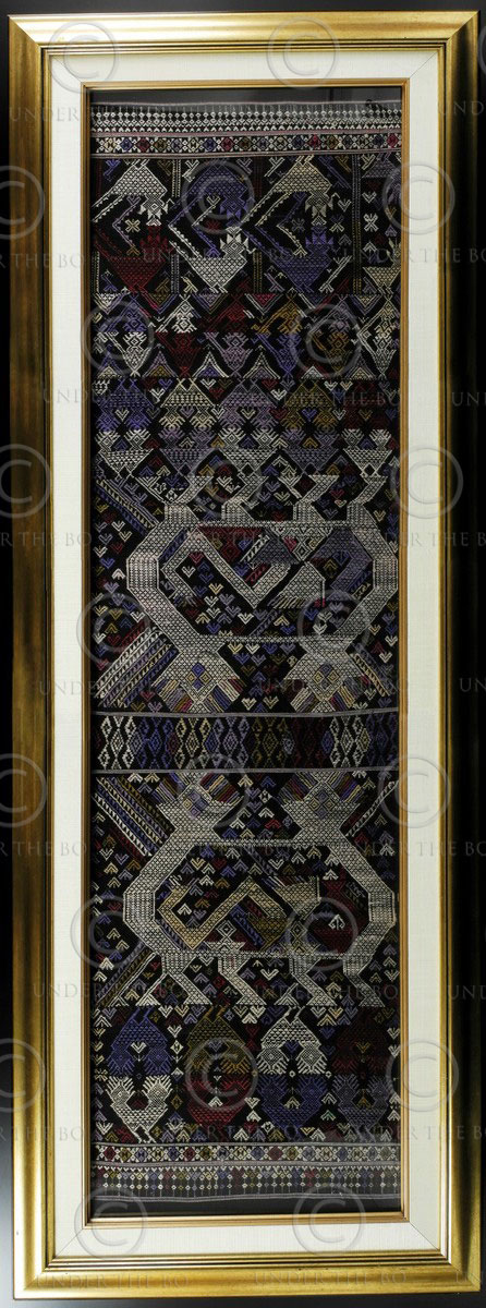 Framed Lao scarf LA21. Sam Neua province, northern Laos.
