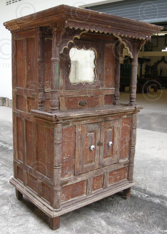 Cupboard M20. Mahogany. West India. 19th cent.