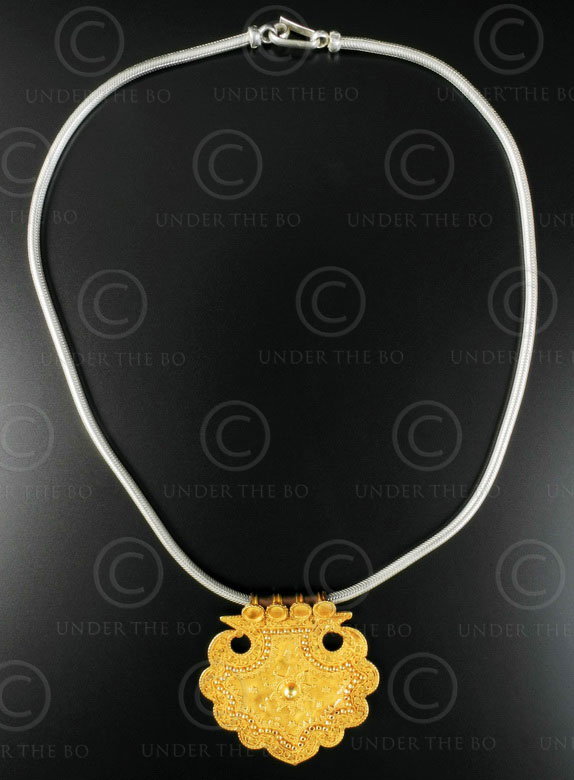 Indian gold pendant on silver chain 617. India.