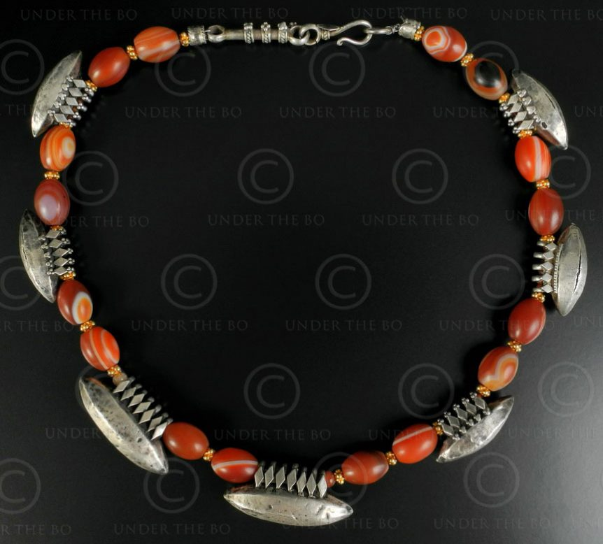 Indian silver necklace with banded agates 528. Designed by François Villaret.