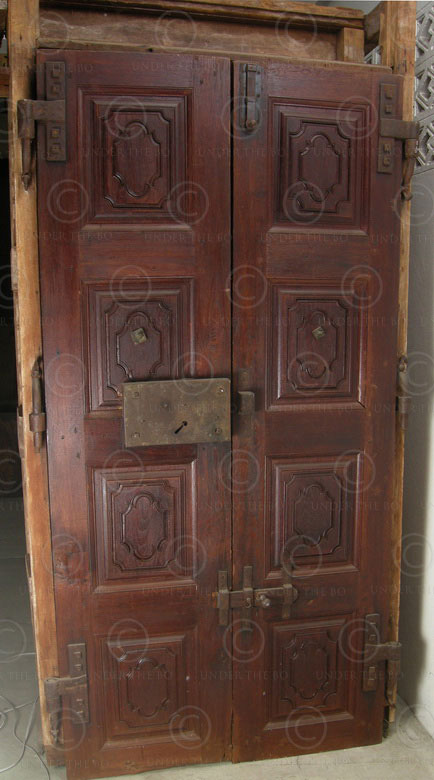 Colonial door H23-02 Partly painted teakwood. 19th century. South India & Colonial door H23-02 Partly painted teakwood. 19th century. South ... Pezcame.Com
