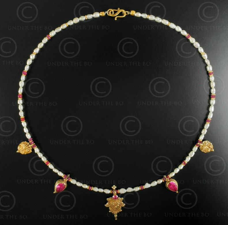 Pearls rubies and gold necklace 631. Designed by François Villaret.