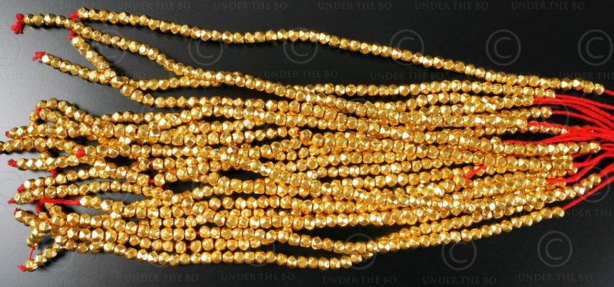Perles or GB8. Inde.