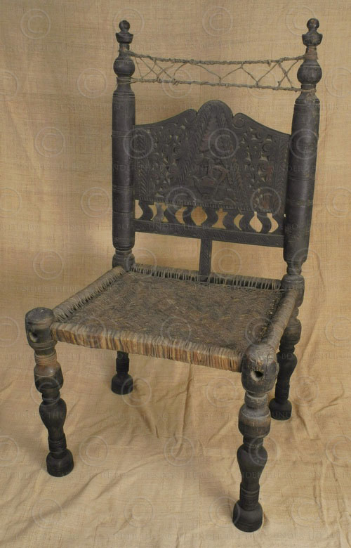 Swat chair PK25. Walnut wood and braided leather. Under the Bo workshop has modi