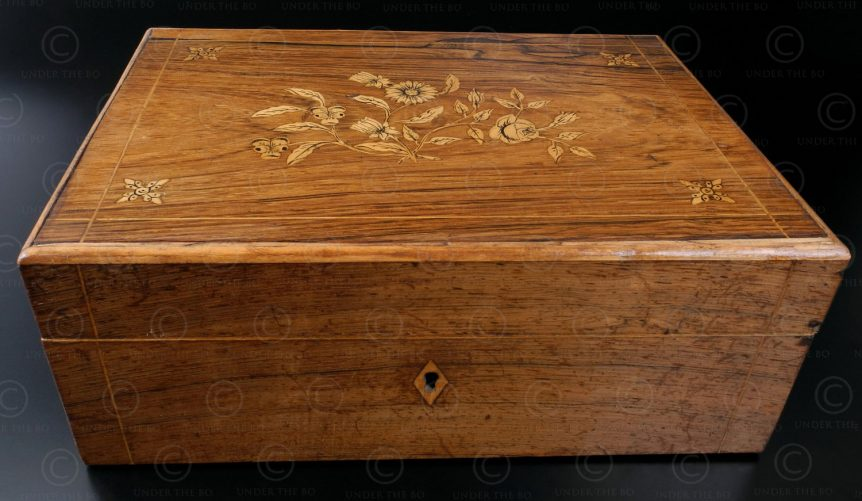 Walnut marquetry box FR6. France.