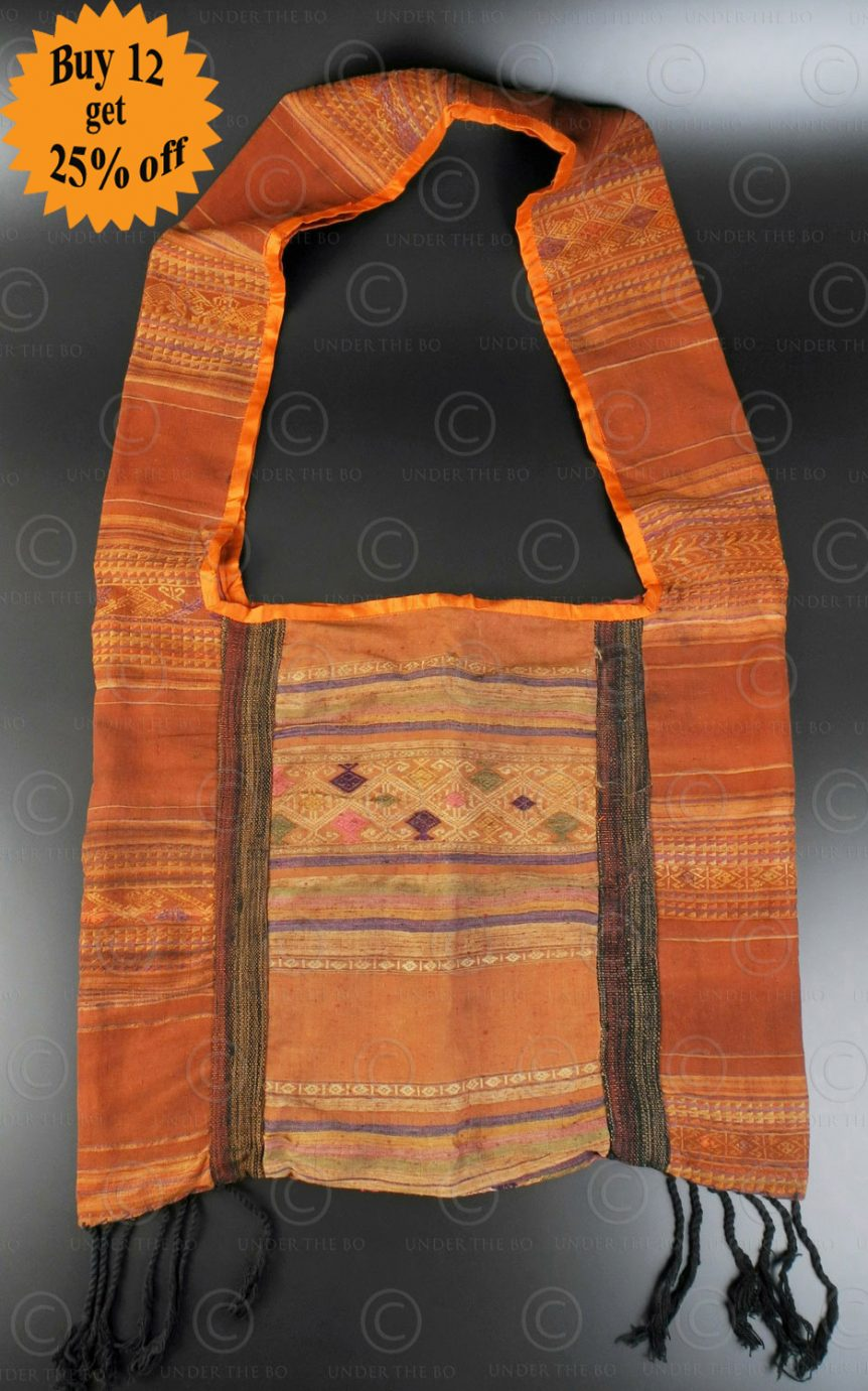 Silk weaving monk bag LA6B. Thailand.